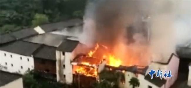 Chuyện thật như đùa: Cháy nhà ở trường quay Hoành Điếm, người dân tưởng đang quay phim nên chẳng ai thèm báo cảnh sát - Ảnh 5.
