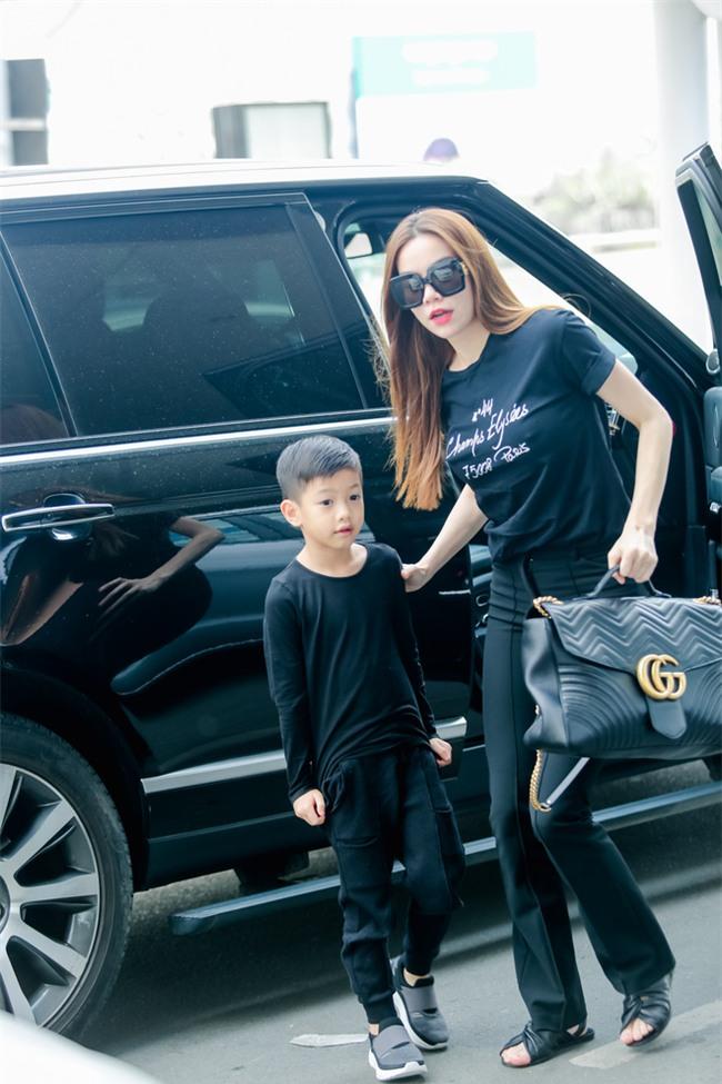 Hồ Ngọc Hà âu yếm Subeo, cùng cả gia đình đi lưu diễn tại Mỹ - Ảnh 2.