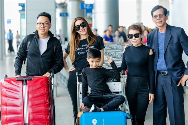 Hồ Ngọc Hà âu yếm Subeo, cùng cả gia đình đi lưu diễn tại Mỹ - Ảnh 4.
