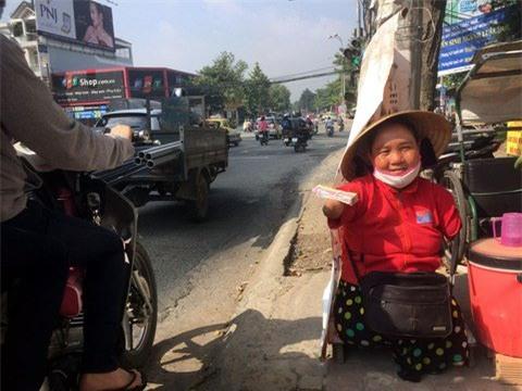 người khuyết tật,bán vé số,người nghèo