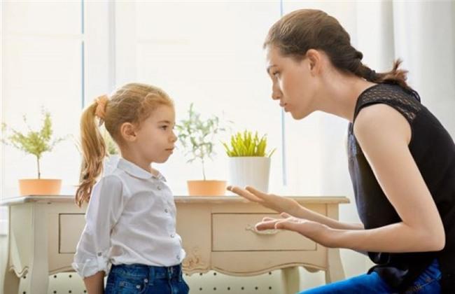 Dạy trẻ biết đưa ra và chấp nhận lời xin lỗi: Hãy để con bạn hiểu rằng một lời xin lỗi thật lòng có thể thay đổi được rất nhiều điều.