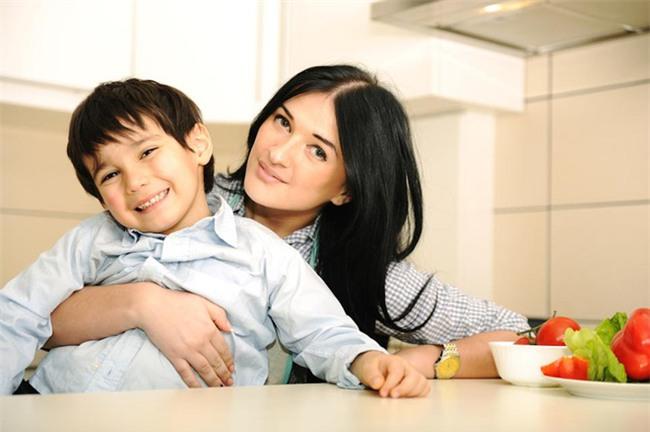Mẹ Ấn chẳng bao giờ phạt hay quát mắng con nhưng trẻ vẫn ngoan và nghe lời - Ảnh 1.