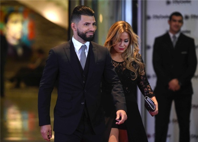 Messi hanh phuc khoa moi Antonella tren tham do hinh anh 9