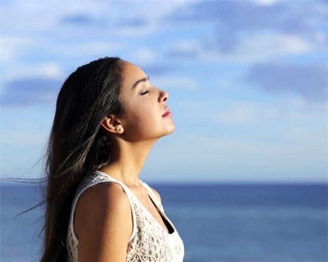 Nếu không muốn thức dậy với cổ họng khô rang thì làm ngay 4 điều để chấm dứt việc thở bằng miệng - Ảnh 4.