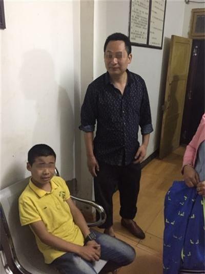 Cậu bé đi bộ 20km về thành phố vì kinh hoàng với kỳ nghỉ hè ở quê - Ảnh 1.