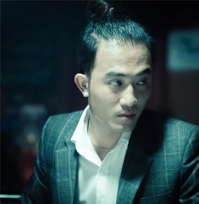 Tran Tu 'Nguoi phan xu' xin di tu truoc khi phim bam may hinh anh 2