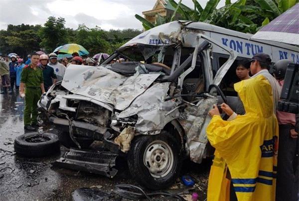 Tai nạn 4 người chết ở Kon Tum: 17 y, bác sĩ nghi ngờ phơi nhiễm HIV - Ảnh 1.