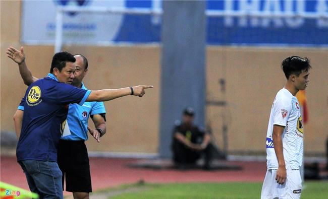 Cong Phuong dan toan doi xin loi khan gia sau tran thua Thanh Hoa hinh anh 10