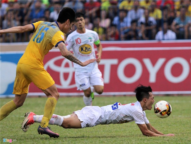 Cong Phuong dan toan doi xin loi khan gia sau tran thua Thanh Hoa hinh anh 7