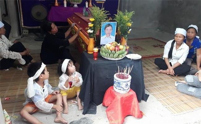 Nhân chứng sợ hãi kể lại giây phút chồng đâm vợ tử vong ở bệnh viện