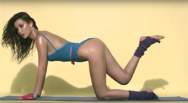 Bí quyết giữ dáng của siêu mẫu có phong cách thời trang táo bạo hàng đầu Victorias Secret - Ảnh 3.