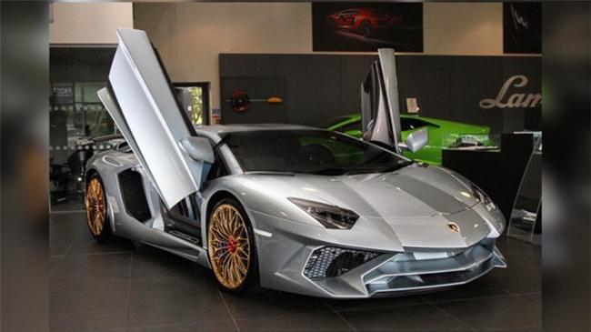 Lamborghini Aventador SV cuoi cung mang mau son Porsche 918 Spyder hinh anh 1