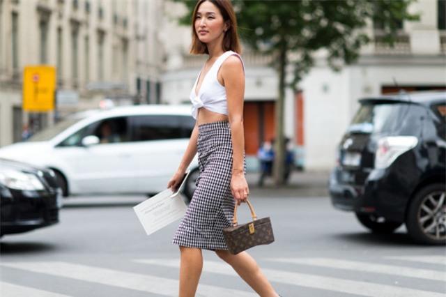 Đâu là chiếc áo diện cùng chân váy midi có thể nịnh dáng nhất - Ảnh 11.