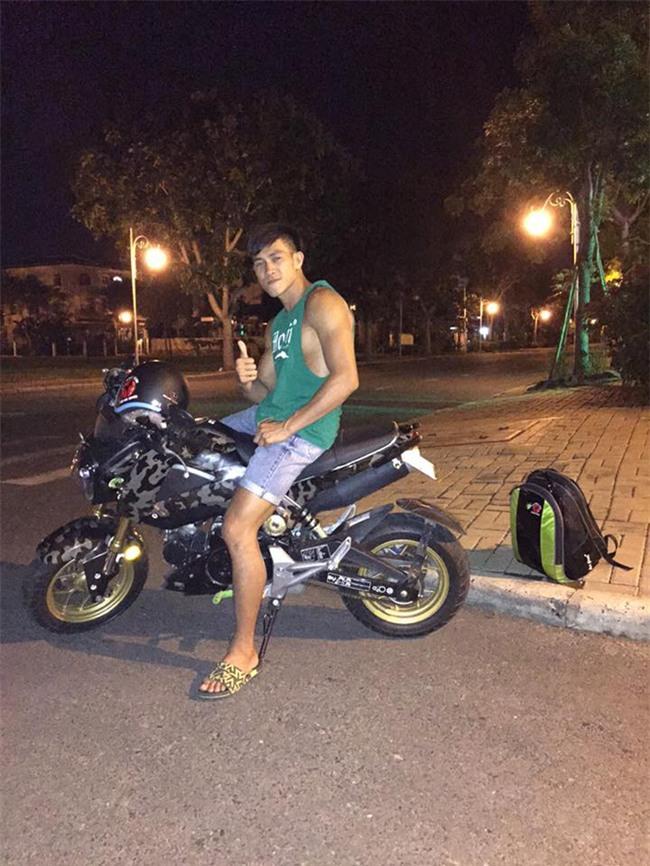 Độc cô cầu bại Nguyễn Trần Duy Nhất sở hữu bộ sưu tập xe motor khủng - Ảnh 1.