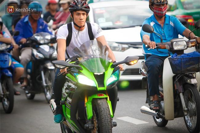 Độc cô cầu bại Nguyễn Trần Duy Nhất sở hữu bộ sưu tập xe motor khủng - Ảnh 4.