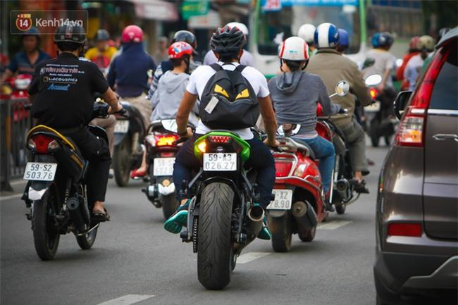 Độc cô cầu bại Nguyễn Trần Duy Nhất sở hữu bộ sưu tập xe motor khủng - Ảnh 6.