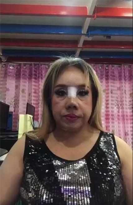 """Nữ đại gia Thái Lan đổi chồng như thay áo lại gây ồn ào trên mạng xã hội vì """"đập mũi đi sửa lại"""" - Ảnh 2."""