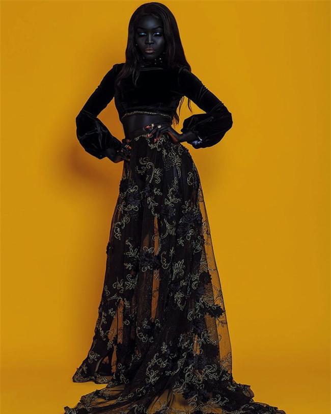 """Từng bị mỉa mai với làn da """"đen hơn than"""", cô gái trở thành hiện tượng lạ khuấy đảo làng thời trang - Ảnh 6."""