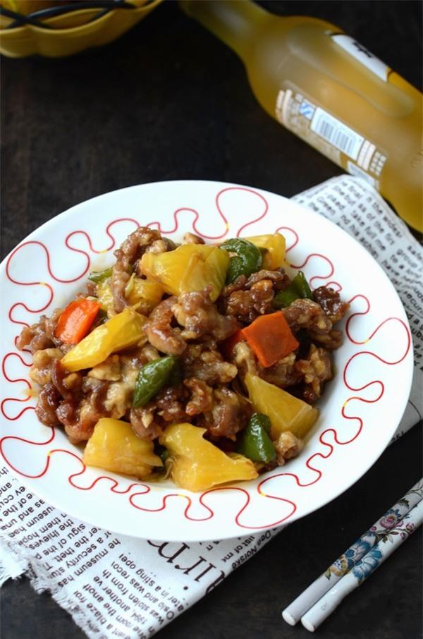 Chỉ cần thêm 1 nguyên liệu phổ biến, bạn đã mang hương vị cực mới lạ cho món thịt xào - Ảnh 6.