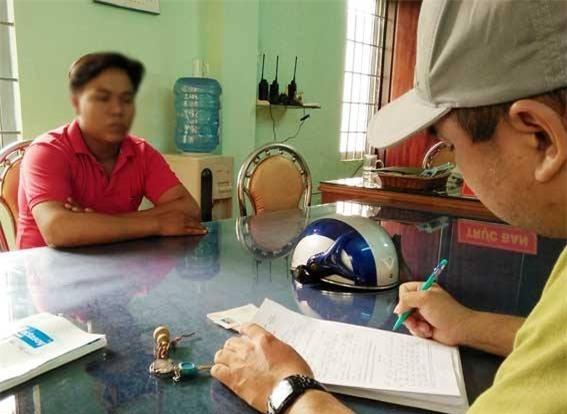 Lời khai của nam thanh niên dùng mũ bảo hiểm đánh người phụ nữ trên phố Đồng Nai - Ảnh 2.