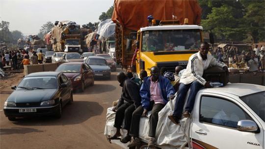 Đi xe quá tải, 78 người chết, 72 người bị thương - Ảnh 1.