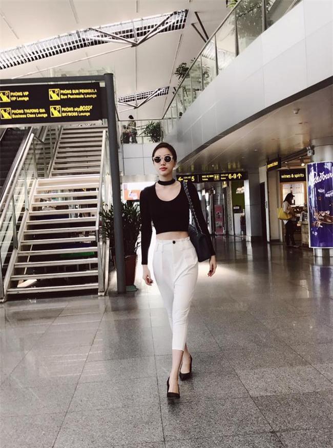 Kỳ Duyên trắng muốt, Ngọc Trinh trẻ như nữ sinh tận hưởng chuyến du lịch hè trong street style tuần qua - Ảnh 18.