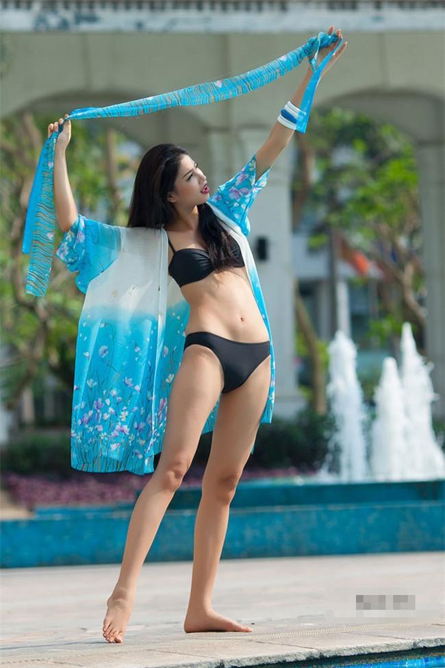 "anh bikini cua pham huong 5 nam truoc bong xuat hien va ""dap tan"" moi tin don ac y - 7"