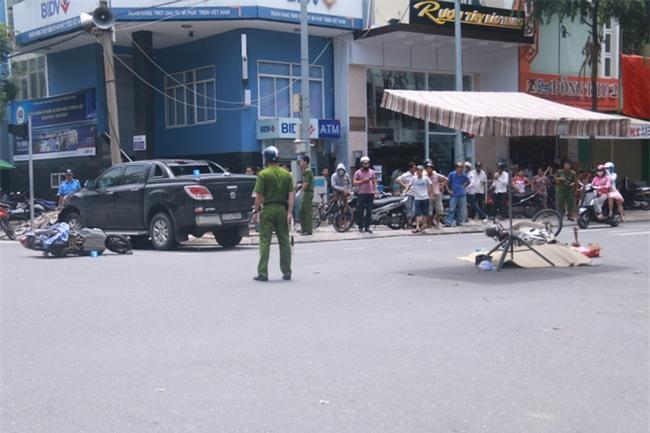 Tai nạn liên hoàn giữa trung tâm Đà Nẵng, 3 người thương vong - Ảnh 1.