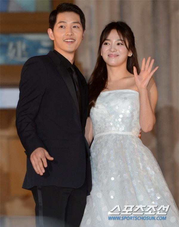 """Tuổi Sửu và tuổi Dậu là """"trời sinh một cặp"""" đấy! Song Joong Ki và Song Hye Kyo sẽ có hôn nhân viên mãn? - Ảnh 2."""