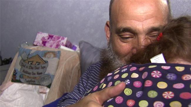 Rất nhiều em bé đã qua đời ở ngôi nhà của người đàn ông này, nhưng câu chuyện về ông sẽ khiến bạn nghẹn lời - Ảnh 3.