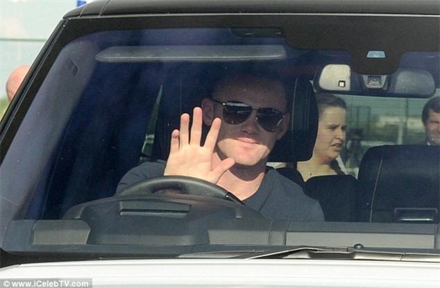 Rooney tuoi cuoi den kiem tra y te tai Everton hinh anh 2
