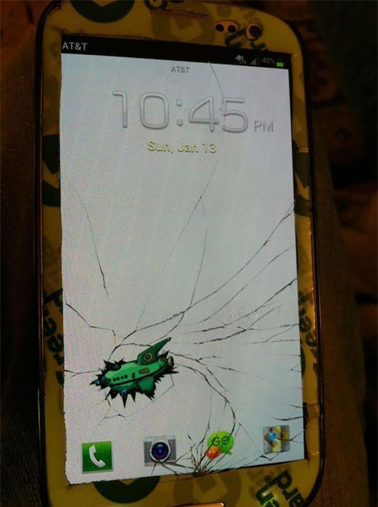 Điện thoại bị bể màn hình, 14 người này có cách chữa cháy để dùng không thể đỡ nổi - Ảnh 13.