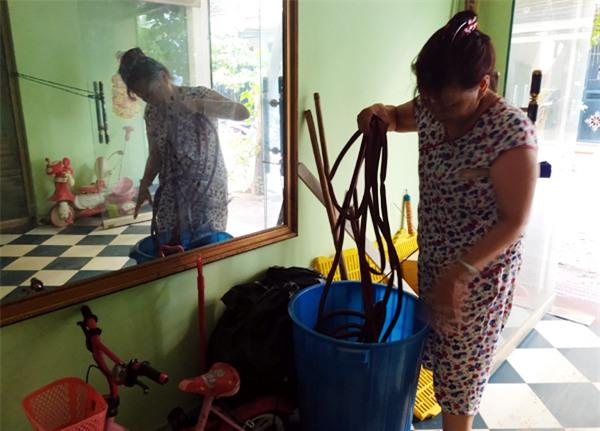 Hà Nội: Thiếu nước sinh hoạt, nhiều gia đình KĐT Đại Kim ngậm ngùi bỏ 3 triệu đồng/20 ngày mua nước sạch - Ảnh 4.