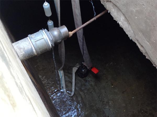 Hà Nội: Thiếu nước sinh hoạt, nhiều gia đình KĐT Đại Kim ngậm ngùi bỏ 3 triệu đồng/20 ngày mua nước sạch - Ảnh 8.