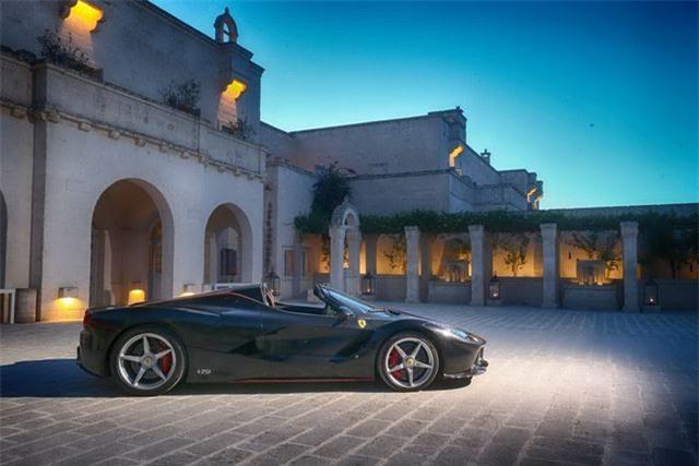 Hàng trăm siêu xe Ferrari diễu hành tại quê nhà Italia - 8