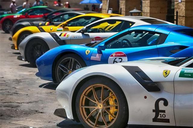 Hàng trăm siêu xe Ferrari diễu hành tại quê nhà Italia - 9