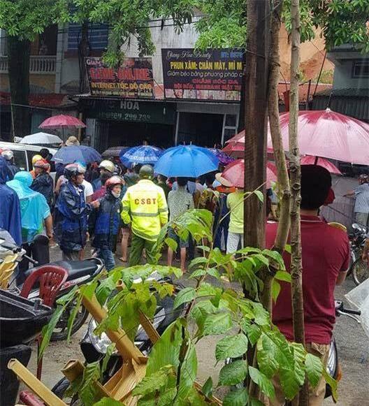 Hà Giang: Sạt lở lúc trời mưa, 2 cháu nhỏ bị vùi lấp trong quán internet - Ảnh 2.