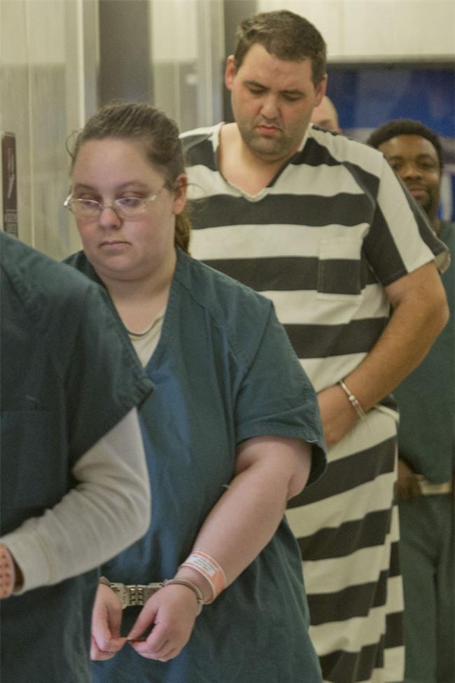 Cặp vợ chồng bị lãnh án 2.340 năm tù giam - vụ án kinh khủng nhất mà tòa án Mỹ từng xử - Ảnh 2.