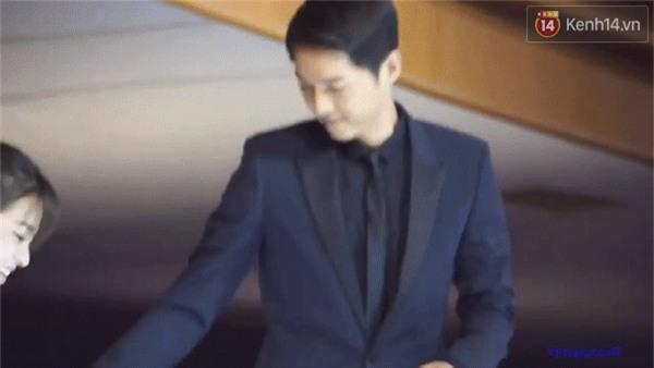Cả thế giới ra đây mà xem, hoá ra Song Joong Ki vẫn luôn phân biệt đối xử Song Hye Kyo với các diễn viên nữ khác - Ảnh 3.