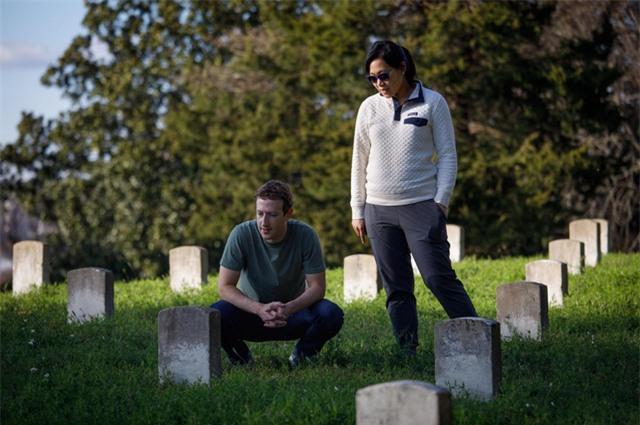 Zuckerberg và vợ đã thăm một chiến trường lịch sử và khu tưởng niệm ở vùng nội chiến ở Vickburg, bang Mississippi.