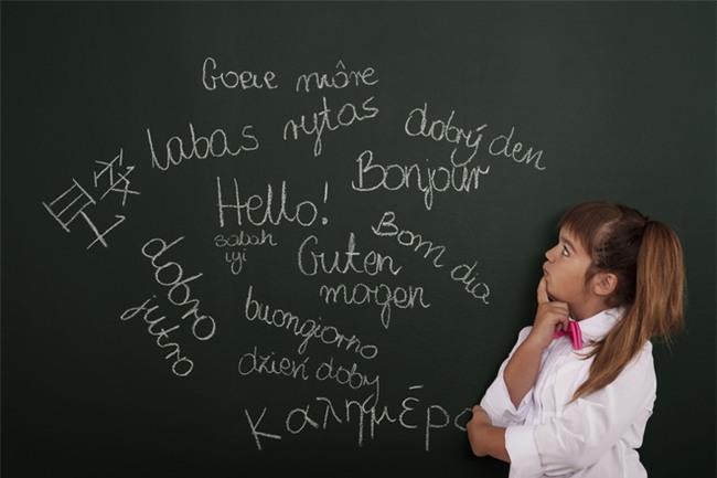 Những quan niệm sai lầm của cha mẹ về khả năng học ngoại ngữ của trẻ - Ảnh 1.