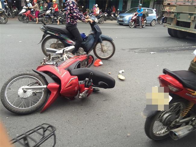 Hải Phòng: Thai phụ tử vong thương tâm dưới bánh xe container - Ảnh 2.