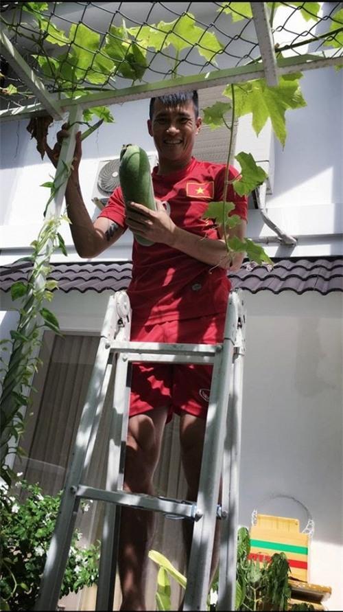 Loạtảnhdoi thuong hanh phuc dáng ghen tỵ cua Thuy Tien - Cong Vinh