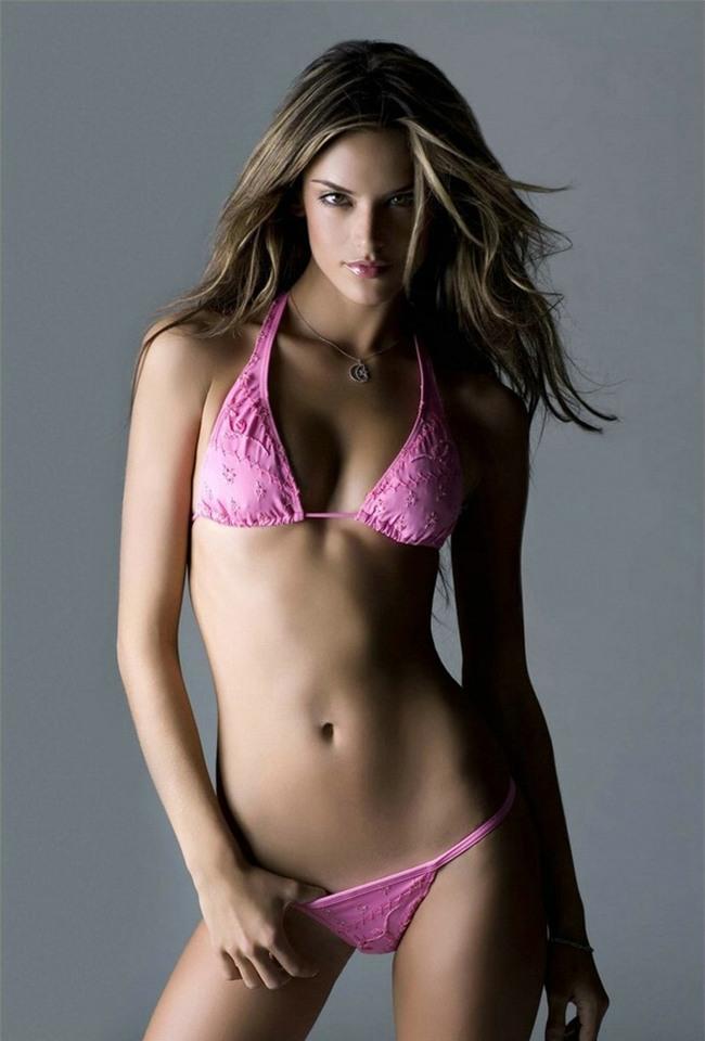 Alessandra Ambrosio: Chị đại của Victorias Secret đã sở hữu mông căng tròn, sexy mà không lo to đùi nhờ bí quyết này - Ảnh 8.