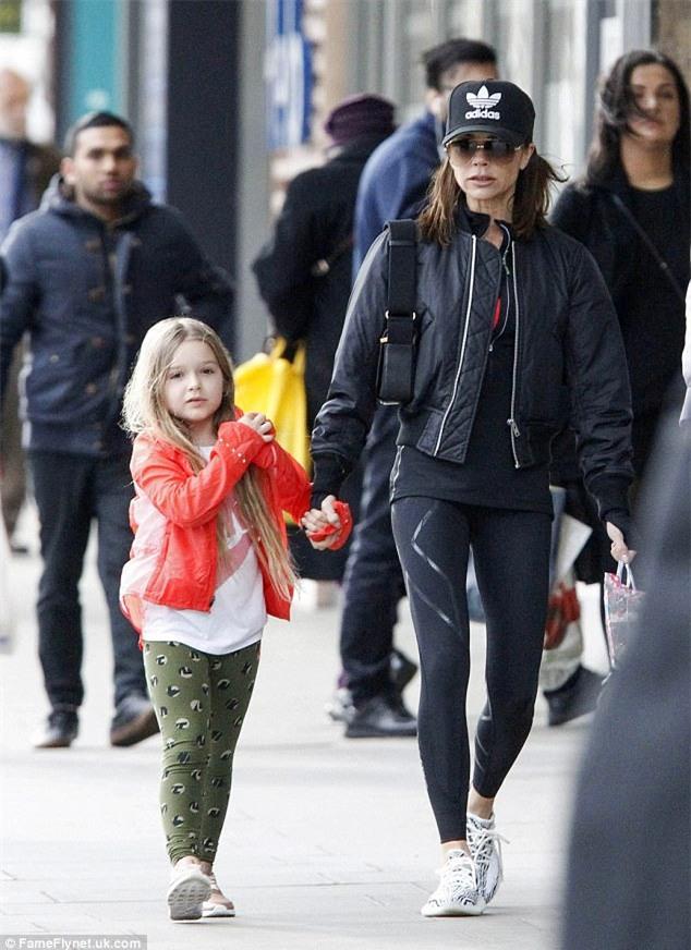 Harper Beckham: Công chúa tí hon trong vòng tay bố khiến cả thế giới phát cuồng giờ đã thành cô bé 6 tuổi phổng phao! - Ảnh 28.