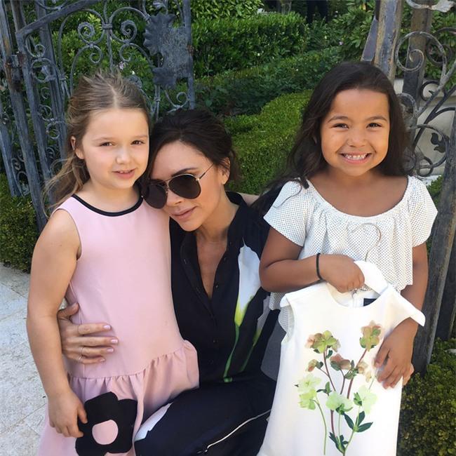 Harper Beckham: Công chúa tí hon trong vòng tay bố khiến cả thế giới phát cuồng giờ đã thành cô bé 6 tuổi phổng phao! - Ảnh 29.
