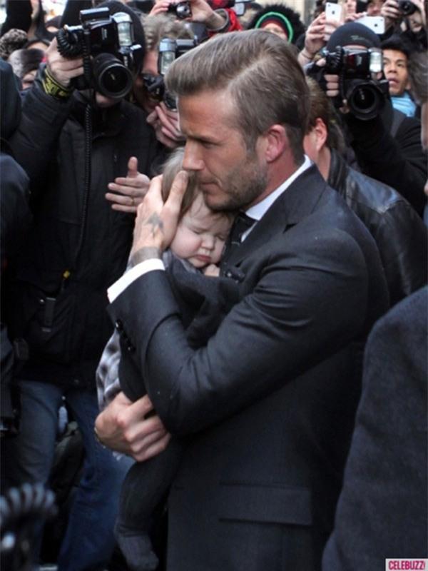 Harper Beckham: Công chúa tí hon trong vòng tay bố khiến cả thế giới phát cuồng giờ đã thành cô bé 6 tuổi phổng phao! - Ảnh 4.