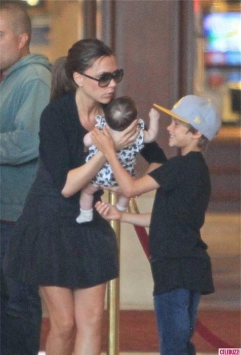 Harper Beckham: Công chúa tí hon trong vòng tay bố khiến cả thế giới phát cuồng giờ đã thành cô bé 6 tuổi phổng phao! - Ảnh 7.