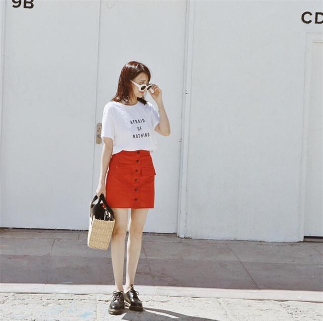 Muốn mặc đẹp như fashionista châu Á, hãy cứ trung thành với phong cách đơn giản! - Ảnh 17.