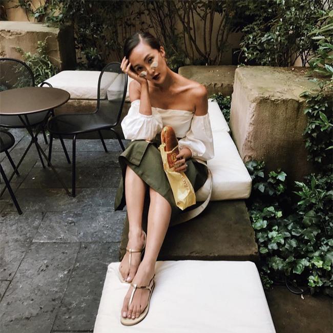 Muốn mặc đẹp như fashionista châu Á, hãy cứ trung thành với phong cách đơn giản! - Ảnh 7.